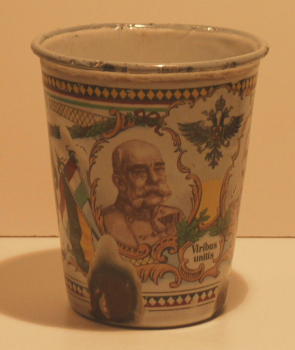 Cup with theme of the First world war