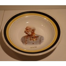 Deep plate with Franz Joseph and with yellow and black lane 1914 - 16