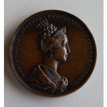 Maria Anna Augusta na bronzové medaili s zemskými klenoty