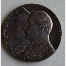 Augusta Victoria a císař Wilhelm na stříbrné medaili