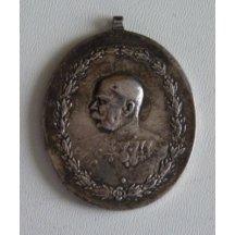 Stříbrná medaile císaře Františka Josefa v uniformě, koně