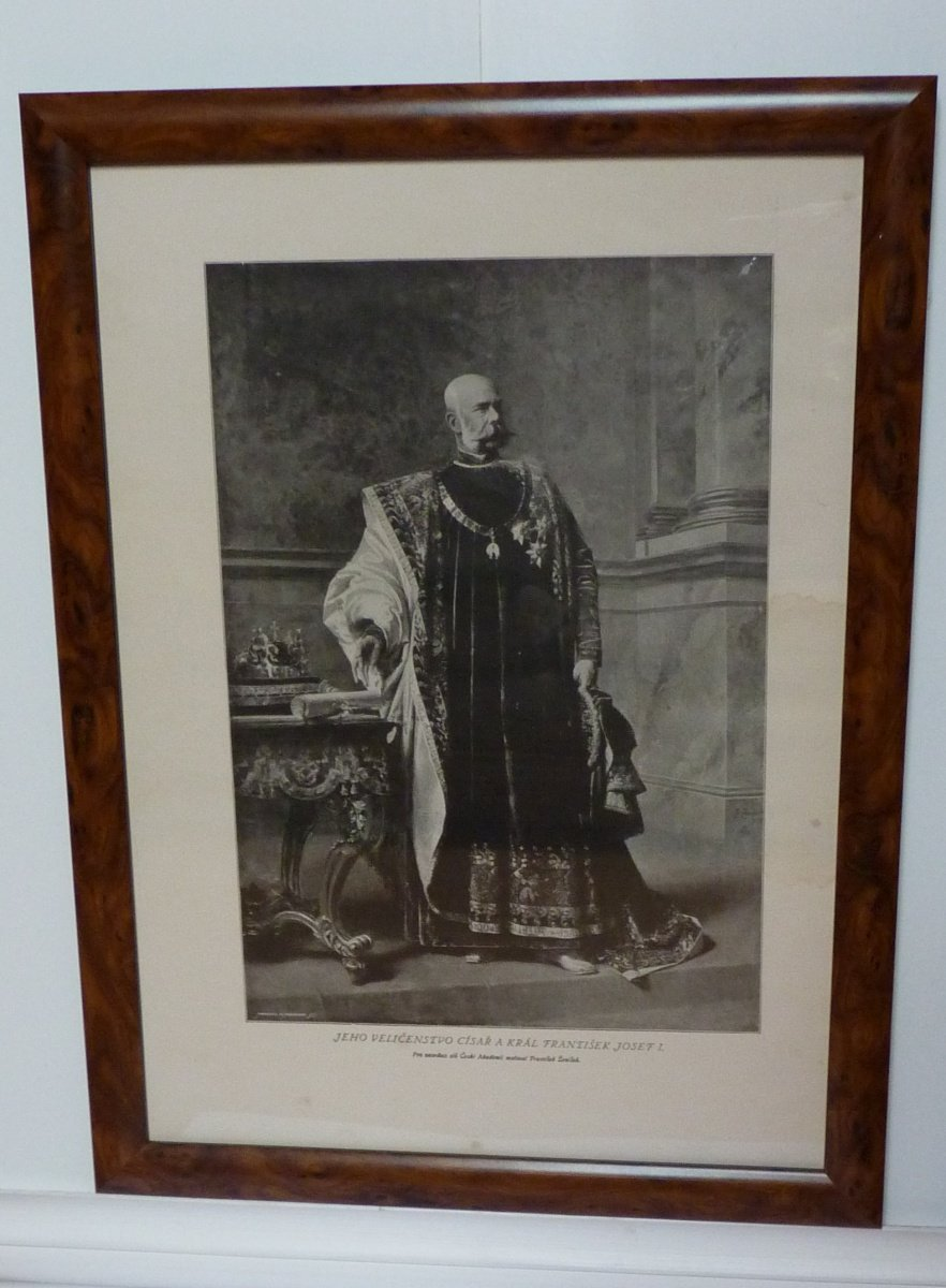 Franz Joseph in festive fleece