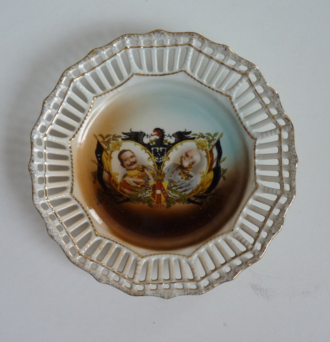 Small plate - double portrait of Franz Joseph and Wilhelm