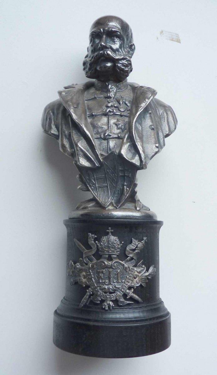 Busta císaře