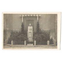 Busta císaře Franz Josefa na podstavci