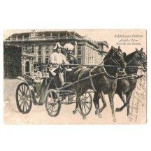 Franz Joseph odjíždí od schönbrunnského zámku