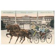 Jízda císařů, jedou z přední strany před zámkem v Schönbrunnu