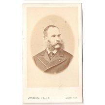 František Josef v kabátu